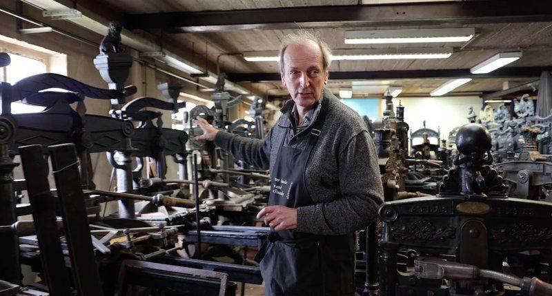 Patrick Goossens in zijn atelier