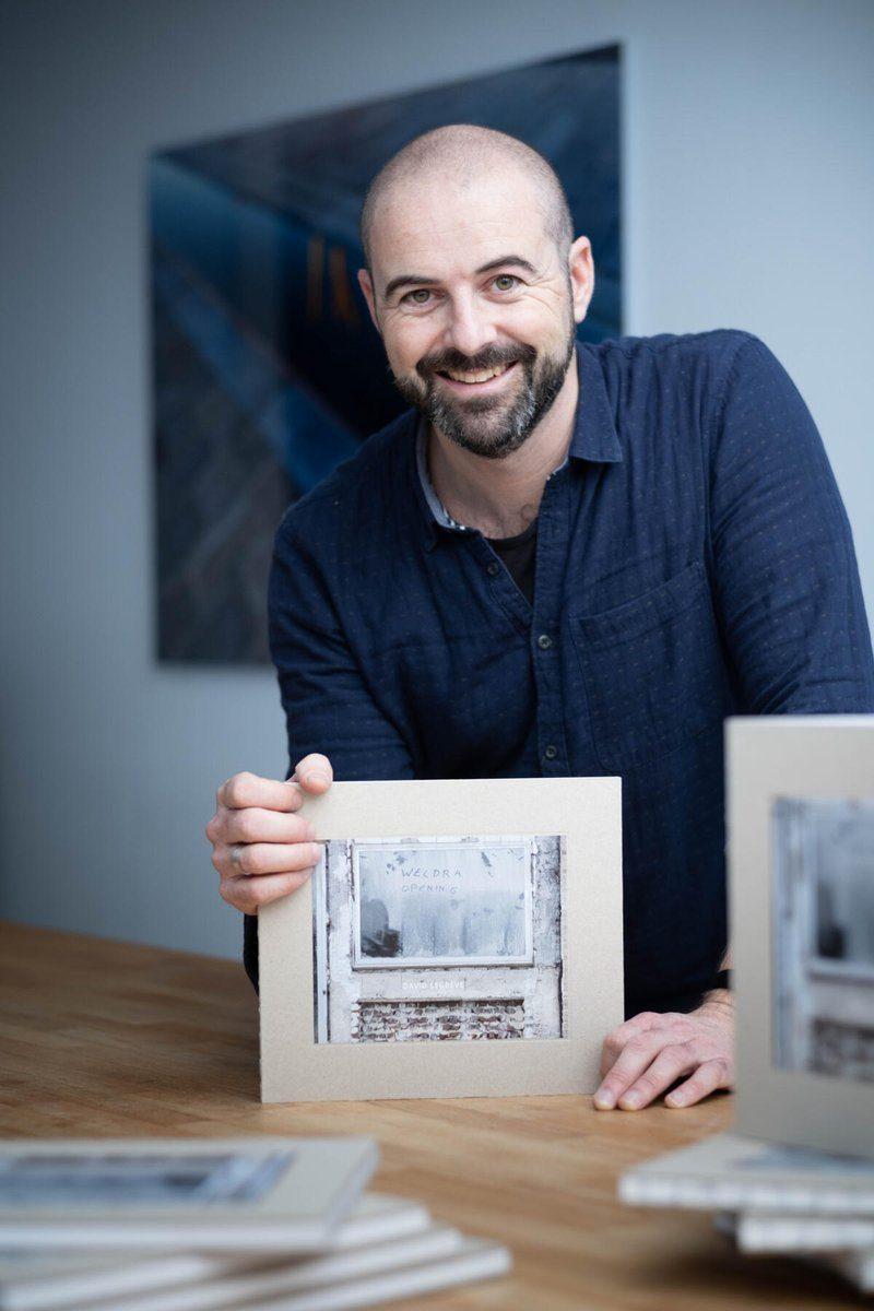 MECHELEN Fotograaf David Legrève presenteert zijn eerste fotoboek Weldra Opening met een tentoonstelling in Het Predikheren